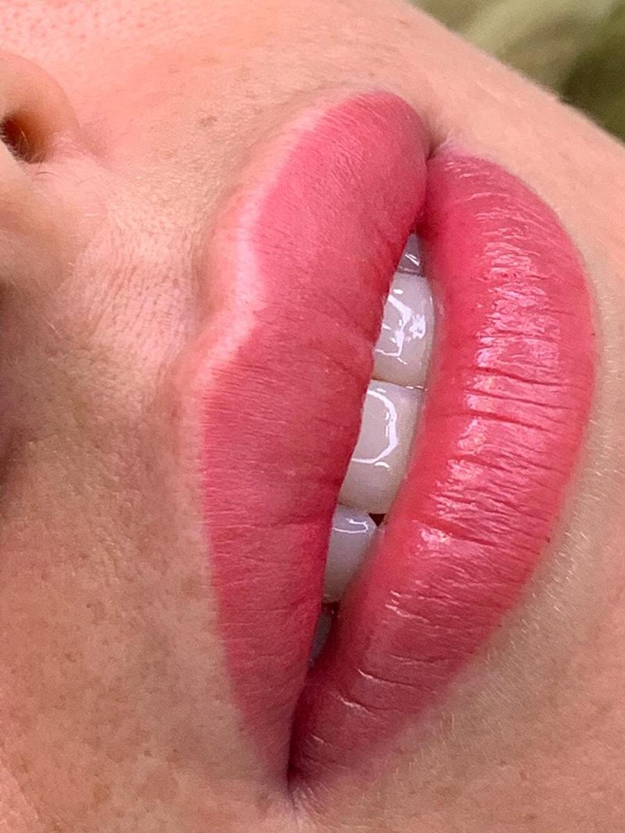 میکروپیگمنتیشن لب چیست و چه کاربردی دارد - همه چیز در مورد آرایش دائم لب
